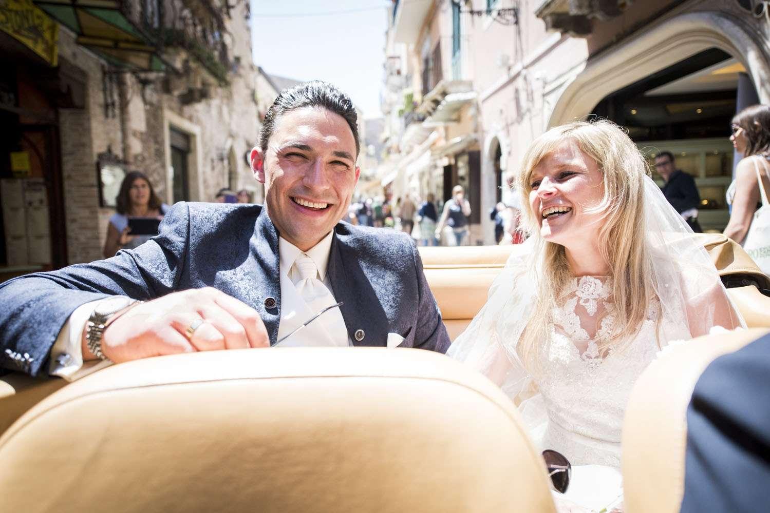 sposi in macchina taormina