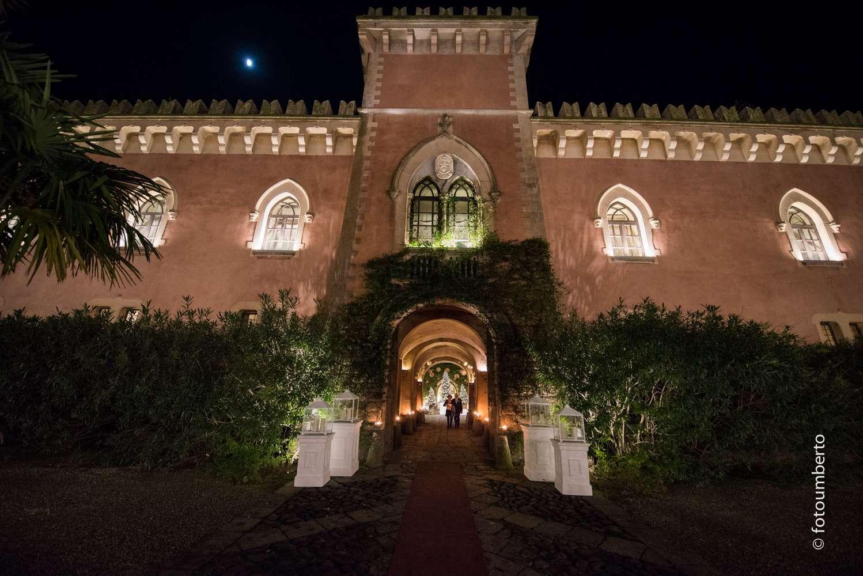 panoramica notturna castello xirumi
