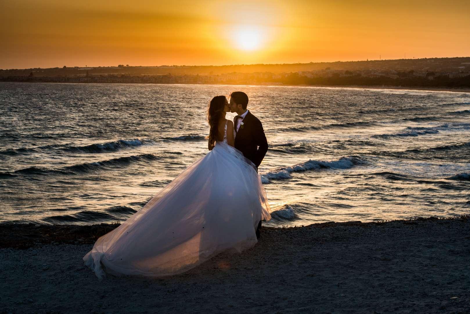 tramonto con gli sposi