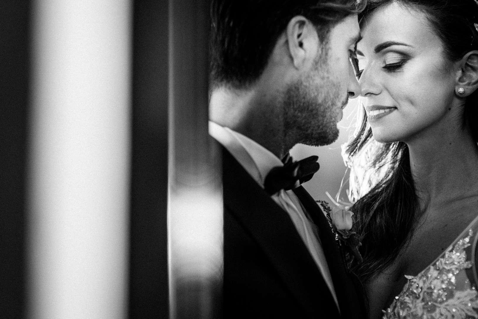 sposi che si guardano