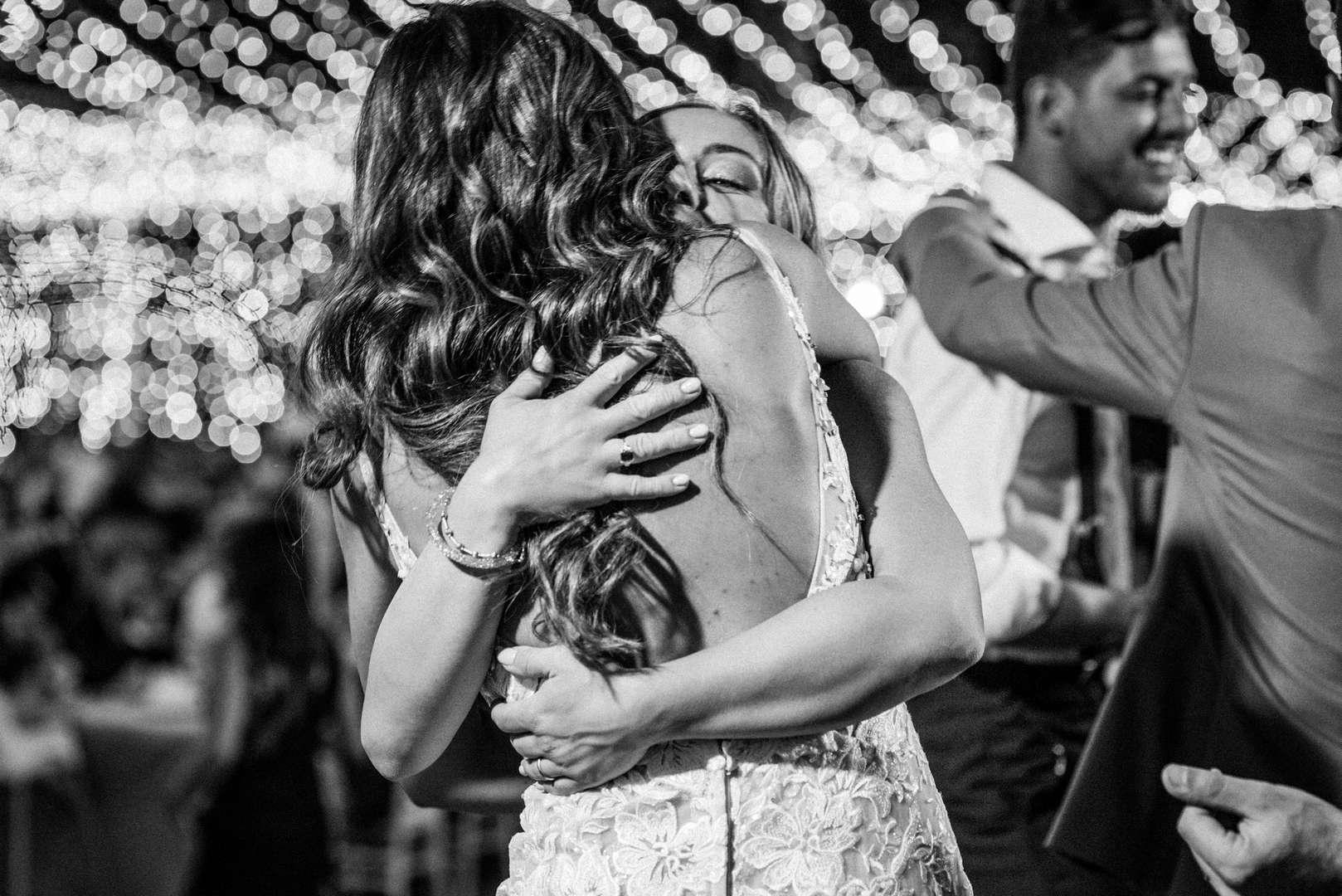 sposi che ballano almatrimonio