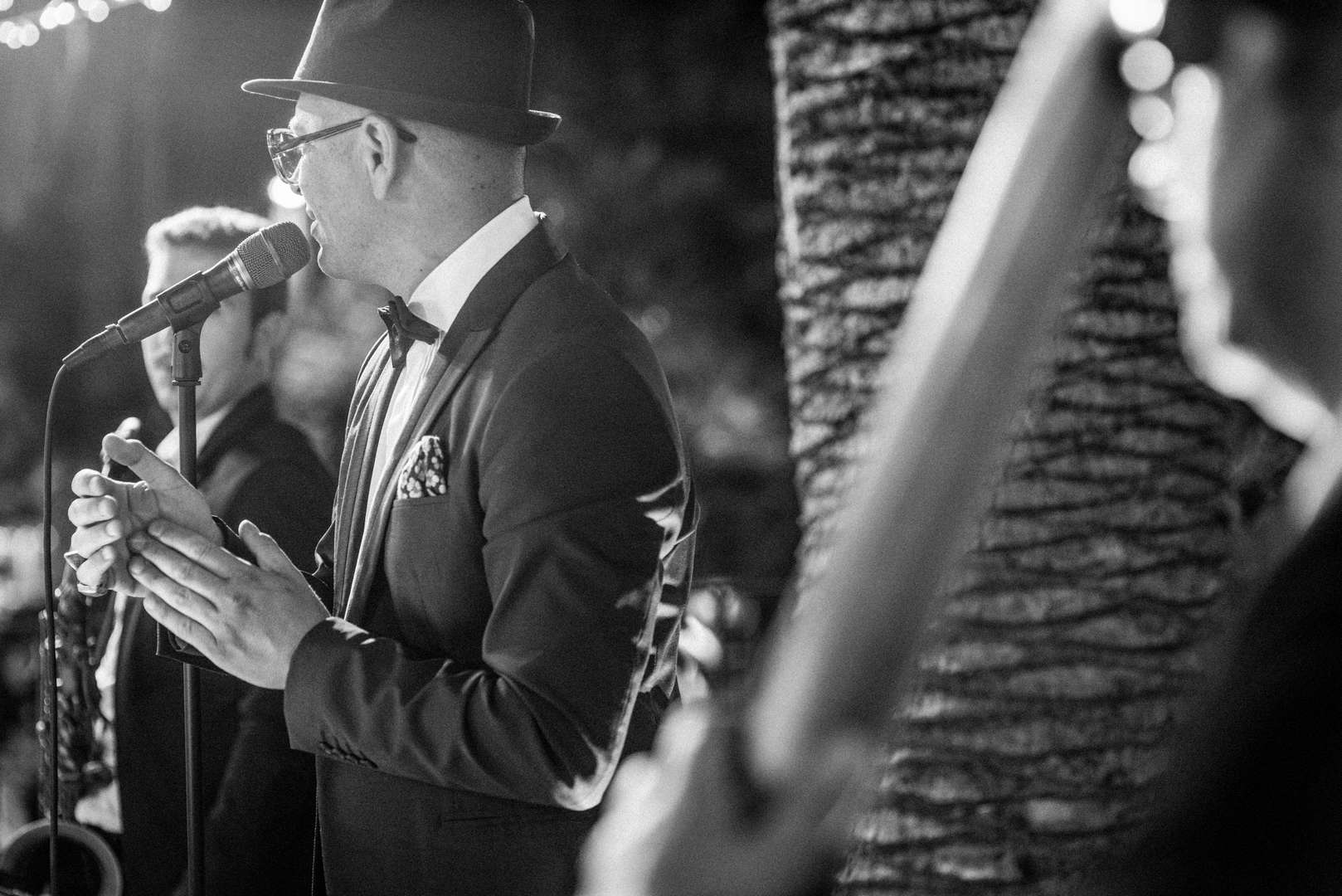 andrea canta al matrimonio