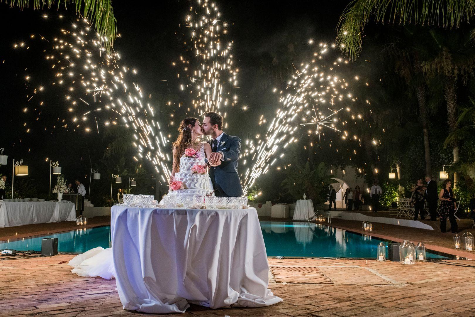 taglio torta sposi