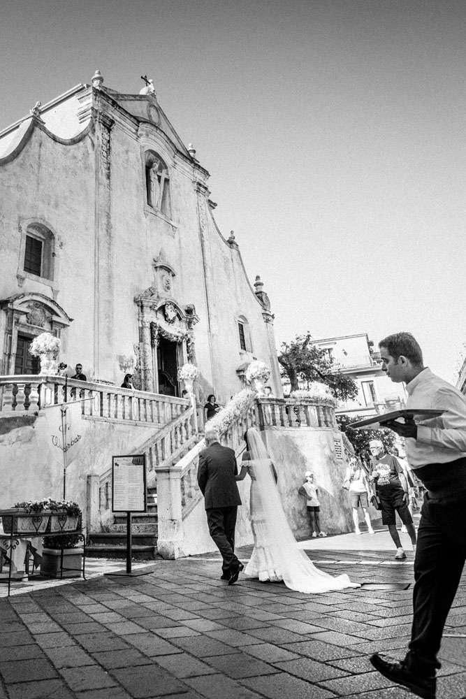 ingresso sposa chiesa taormina